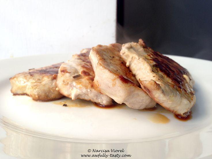 Cotlete de porc cu fenicul.  Boneless pork chops with fennel.
