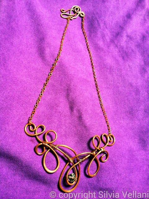 Marea di Leuko: Collana wire stile liberty con cristallo in rame Liberty and wire copper necklace with cristal