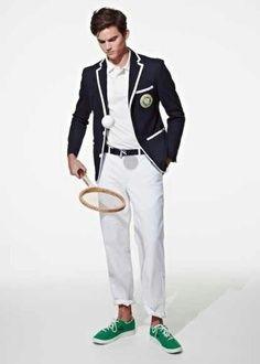 Comment (bien) s'habiller pour Roland Garros ?  http://www.gqmagazine.fr/mode/la-selection-mode-gq/diaporama/evitez-le-revers-de-style/13551/image/759695#temps-de-pluie