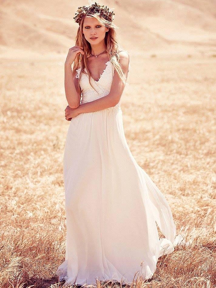 Free People bridal collection #FPEverAfter. Boho bride. Bohemian wedding dress.  http://www.norwegianweddingblog.com/2015/05/free-people-bridal-collection-bohemske-brudekjoler.html