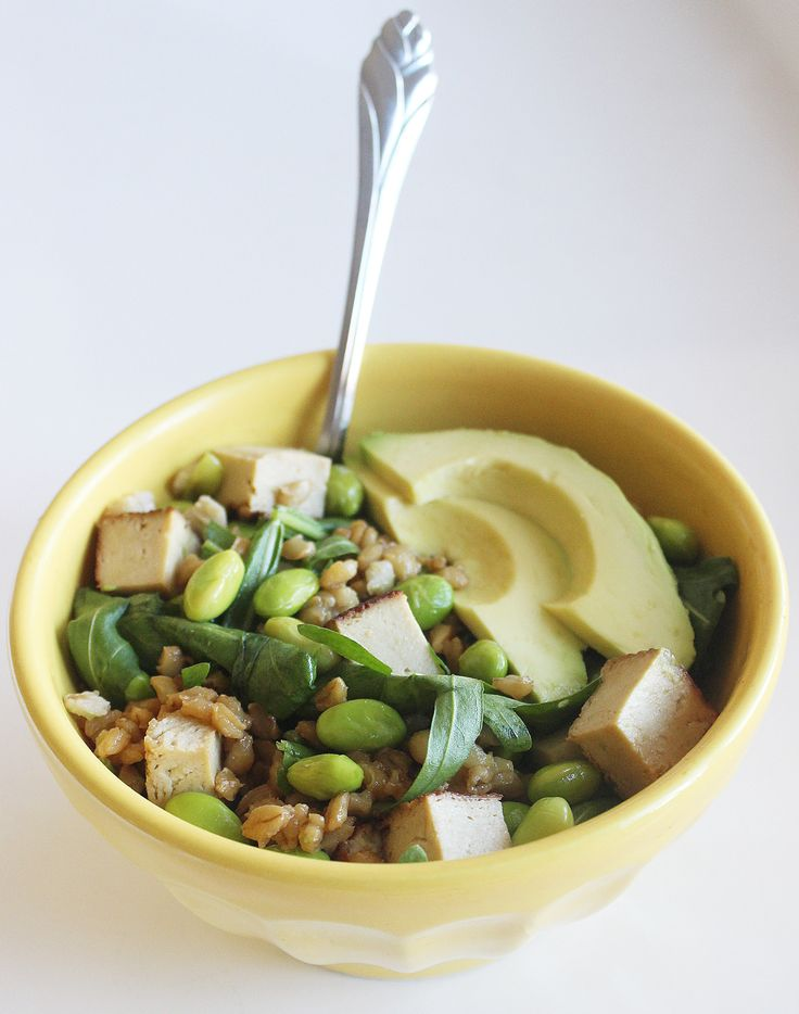 Eat Clean and Green With This Edamame Barley Bowl