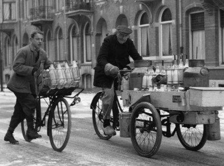 1950. Milk delivery in Amsterdam. #amsterdam #1950