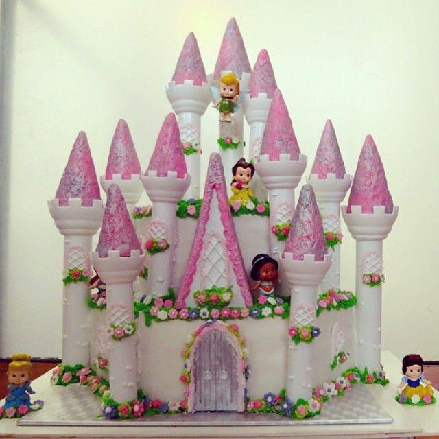Pastel de castillo de princesas. | CASTILLOS Y PRINCESAS | Pinterest
