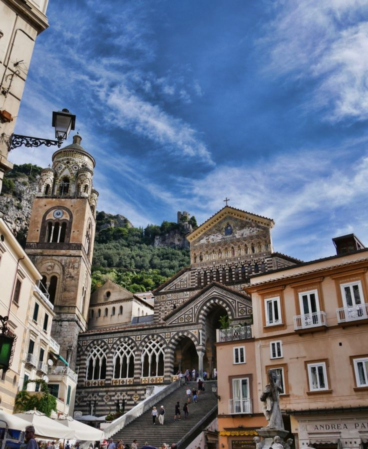 Amalfi is a charming town in Italy. We  uncovered 5 unmissable places to visit on the Amalfi Coast