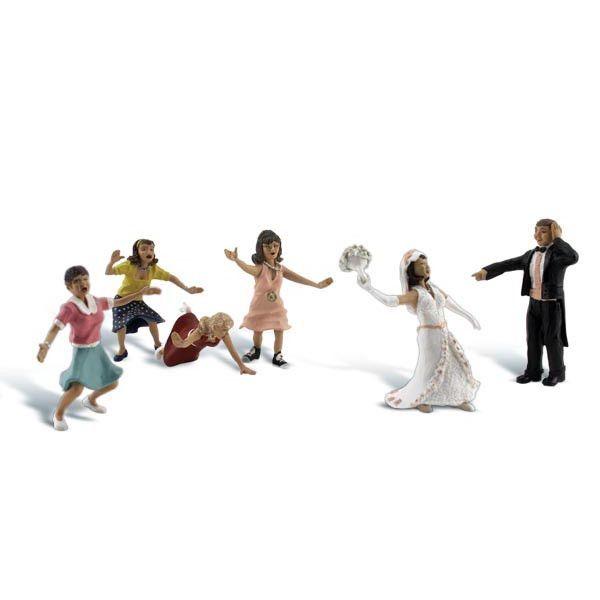 HO Scale: Wedding Bouquet Toss