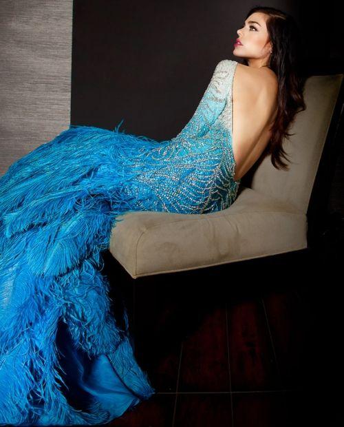beautiful!: Fashion, Backless Dresses, Blue, Mermaids Gowns, Beautiful, Feathers Dresses, The Dresses, Peacocks Dresses, Mermaids Dresses