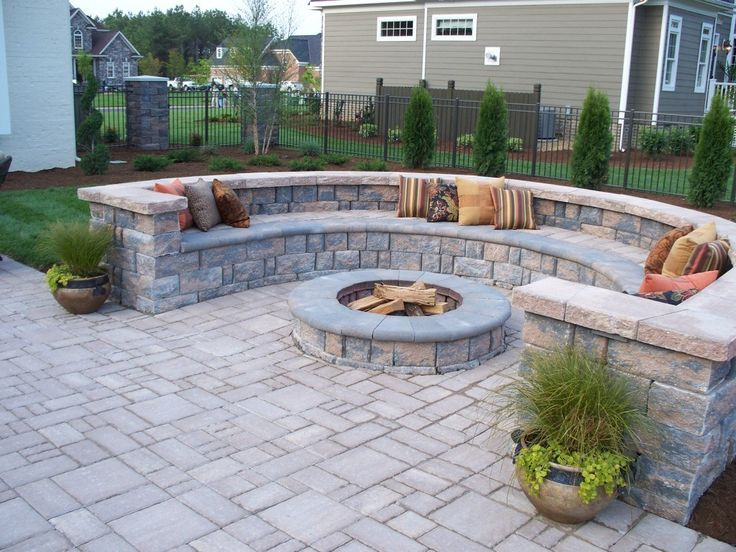 Easy Patio Pavers Ideas - http://www.gorgeesdefoutre.com/easy-patio-pavers-ideas/ : #OutdoorIdeas Pavers in patio design shall enhance much better home and living that enjoyable to make interesting space of outdoor home values at significant way! Patio paver design offers many fine features at high value that I dare to say about elegance and durability. You can install patio pavers over...