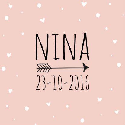 Roze geboortekaartje met een stippeltjes en hartjes patroon en trendy letters, verkrijgbaar bij #kaartje2go voor € 1,89