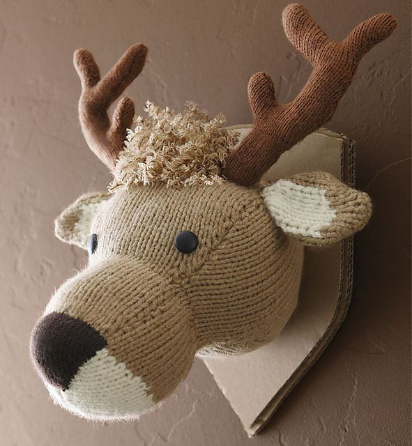 Ravelry: No. 1 Trophée Cerf (Deer Head Trophy) pattern by Phildar Design Team