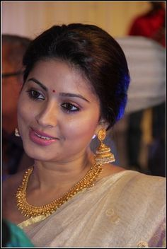 sneha in traditional jewellery