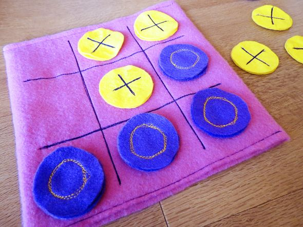 Childhood 101 | Games for kids: Tic tac toe - make your own easy sew felt version. Great for travel.