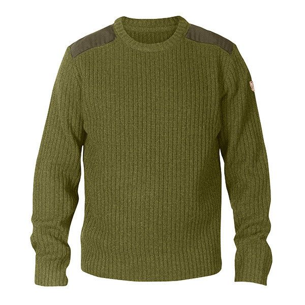 Outdoor sweater in exceptionally warm lambswool.