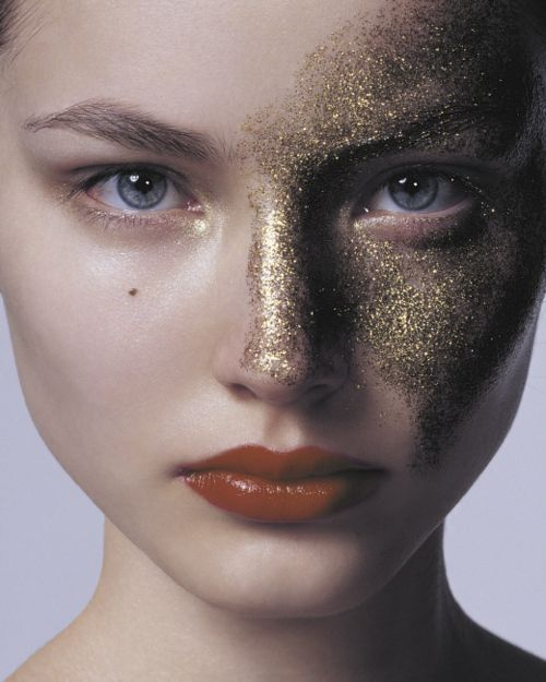 I wish I could just wear sparkles on my face xD