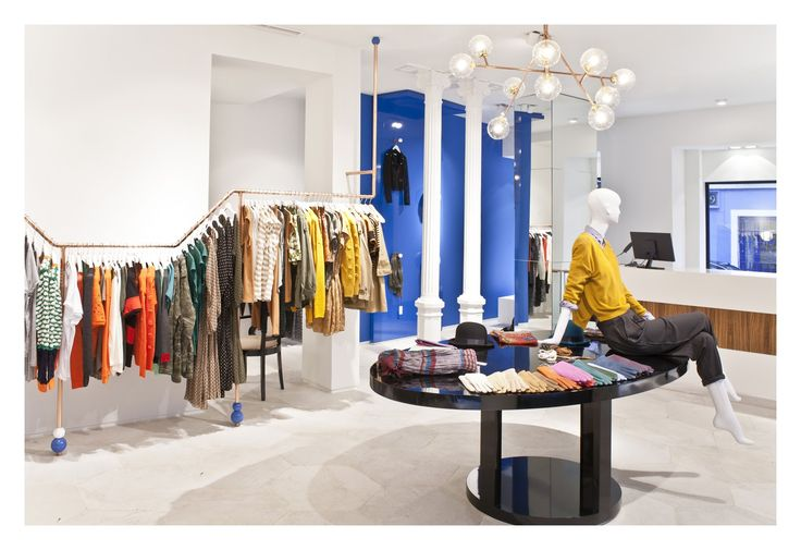 Oliphant store by Nacho Olive