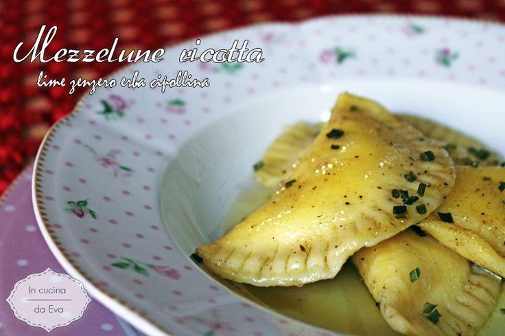 Mezzelune ricotta lime zenzero erba cipollina ricetta dello chef Marcello Ferrarini realizzati durante un corso Gluten free a Chieti all'Expò senza glutine.