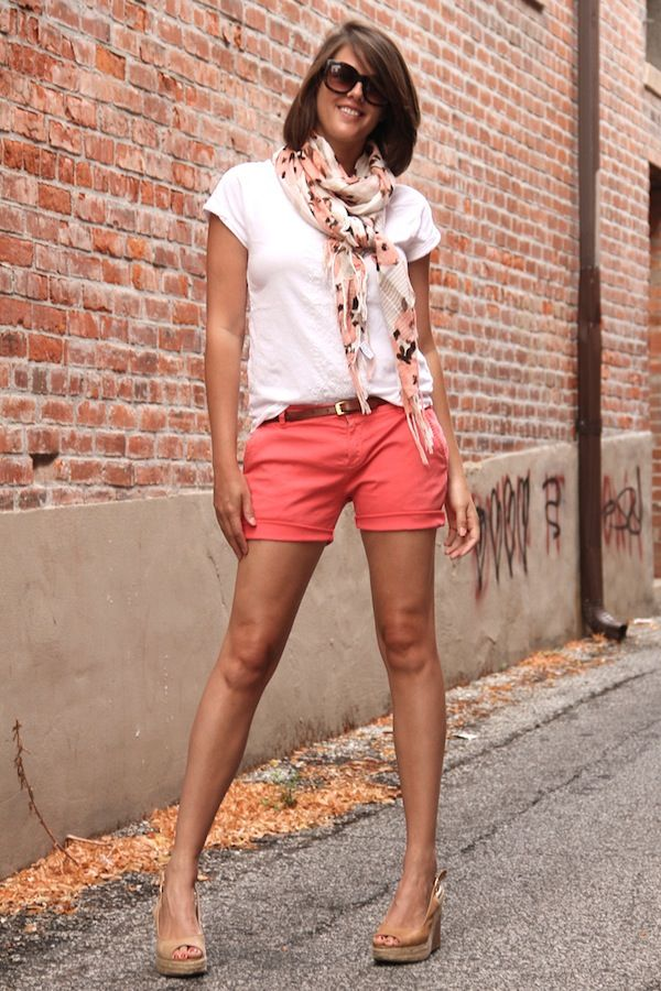 How to Wear a Summer Scarf
