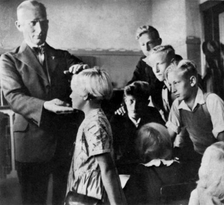 Quando si parla di nazismo, le prime cose che vengono alla mente sono, ovviamente, i campi di concentramento, lo sterminio di ebrei, zingari, slavi e disabili, e altri aspetti terribili di quell'oscur