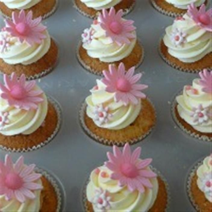 cupcakes for baby shower girl cupcakes pretty cupcakes flower cupcakes
