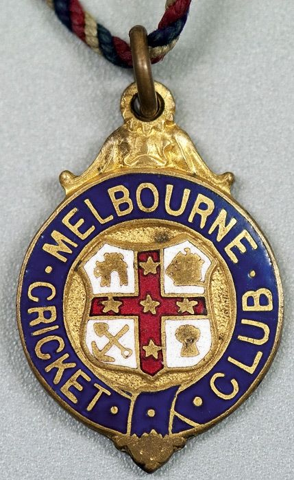MELBOURNE CRICKET CLUB, undated membership badge with Melbourne Coat-of-Arms at centre, made by Bowman Limited, London, No.1467. The first badge for 1901-02.