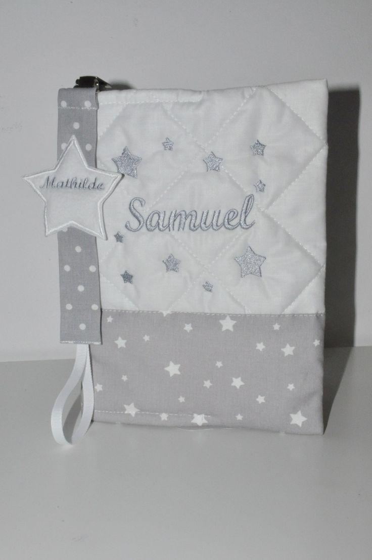 prénom Box cadeau naissance: protège-carnet de santé gris+attache-tétine/sucette étoile brodées personnalisées brodé au nom : Puériculture par lbm-creation