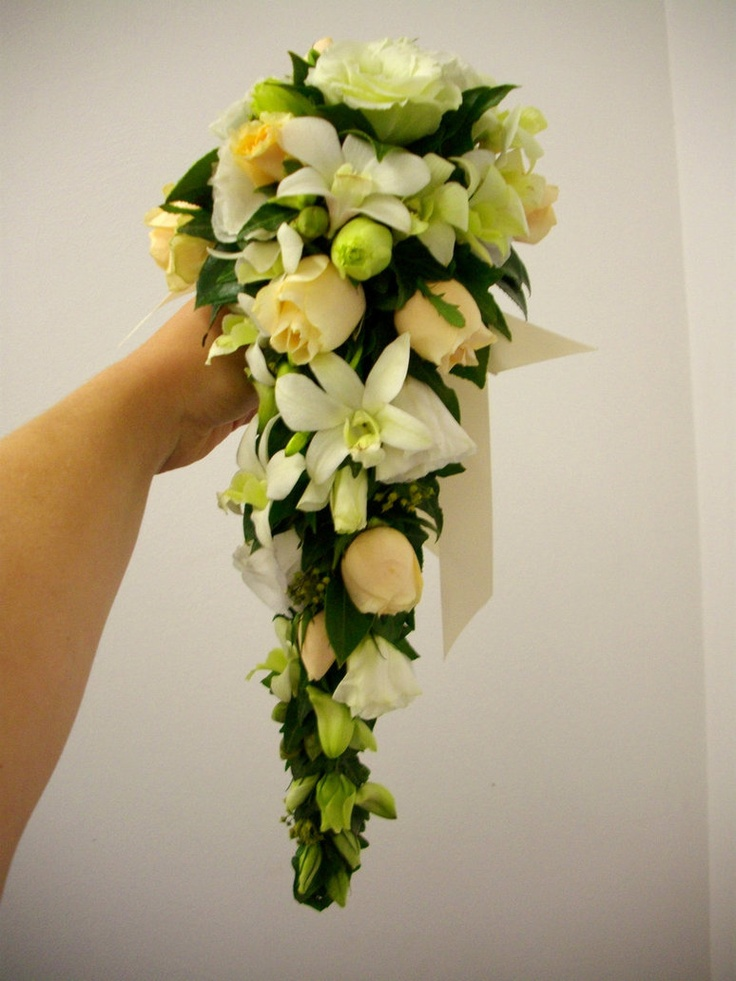Teardrop Bouquet  white and yellow