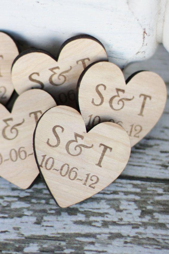 50 Personalisierte Holz Herz Magnete Hochzeit von braggingbags