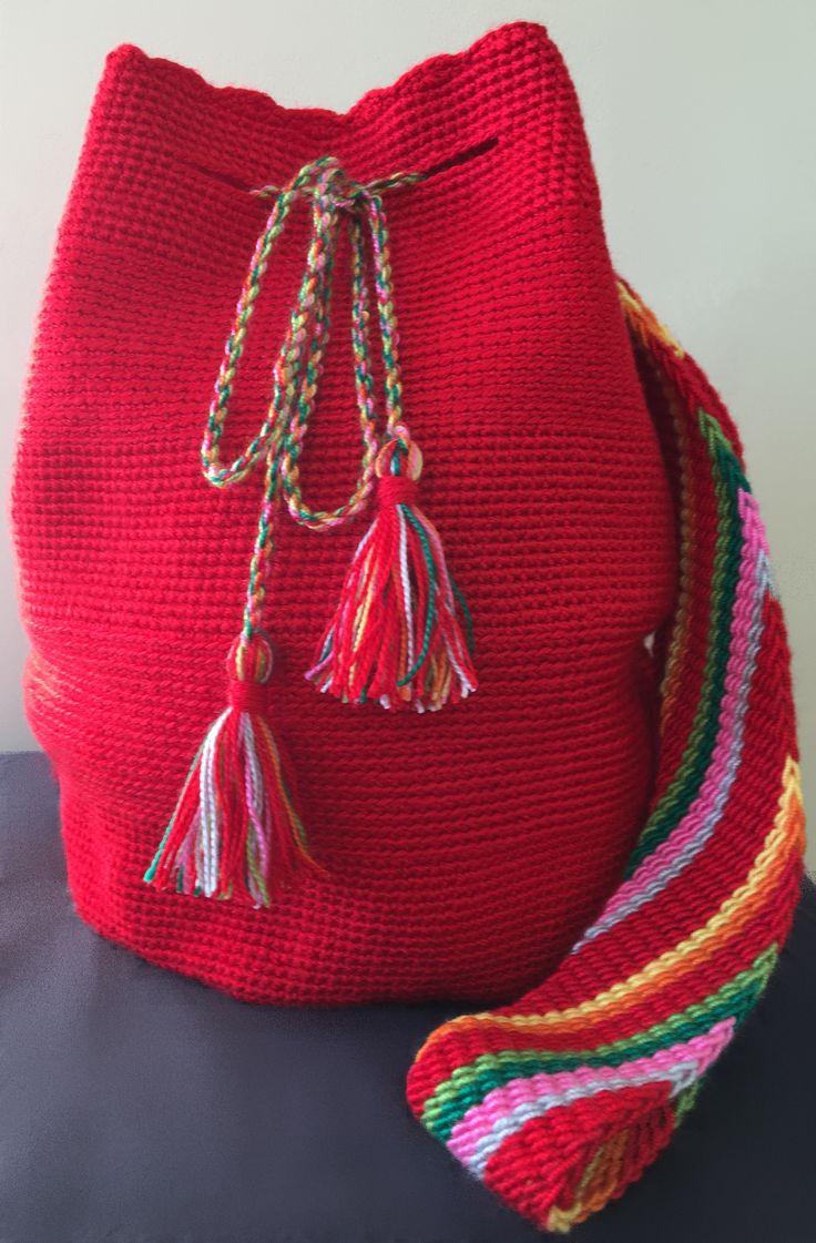Bolsa de inspiración Wayuu. Totalmente artesanal. Acepto encargos y hago envios.