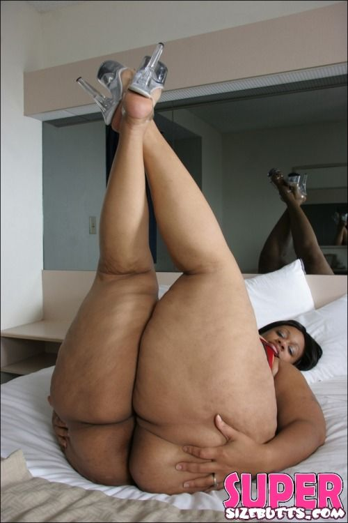 2 fineass ebony ladies pop their pussies 3