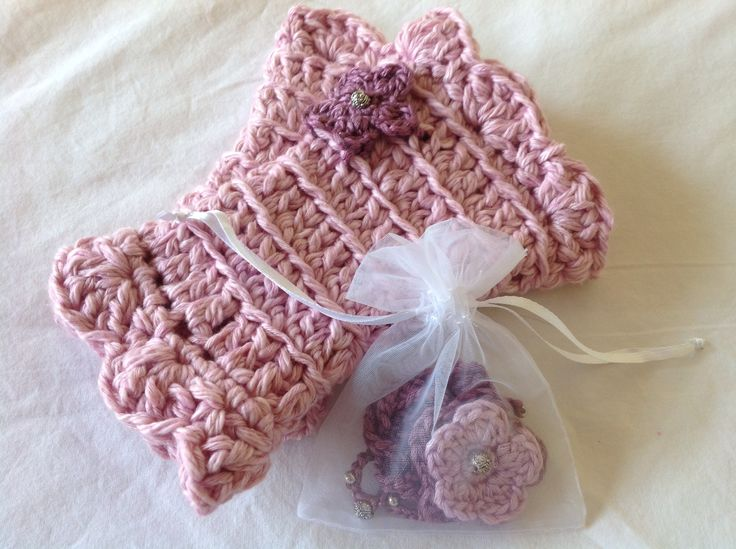 Lovely gift idea for friends - set of Buglets wrist warmers and necklace in purple pink.