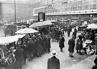 Weihnachtsmarkt,Alexanderplatz Berlin 1932