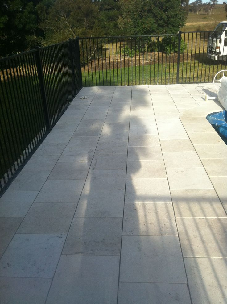 www.pavingcanberra.com Travertine Pavers. Swimming Pool Paving.