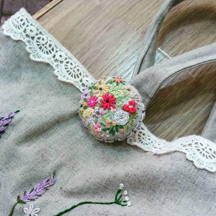 #Embroidery#stitch#needlework  #프랑스자수#일산프랑스자수# 자수#자수브로치 #다용도로 사용할 수있는 브로치~