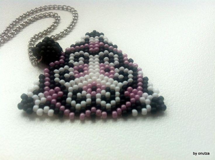 Pandantiv triunghi (25 LEI la oanaroman85.breslo.ro)