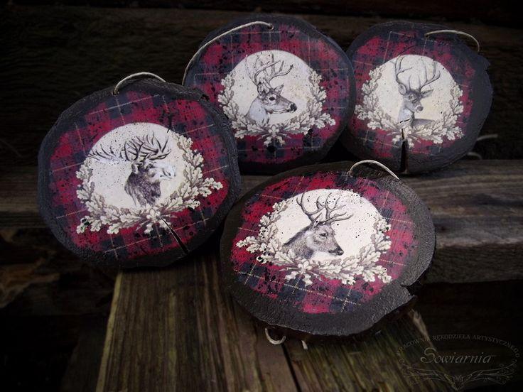 Set of 4 wooden ornaments