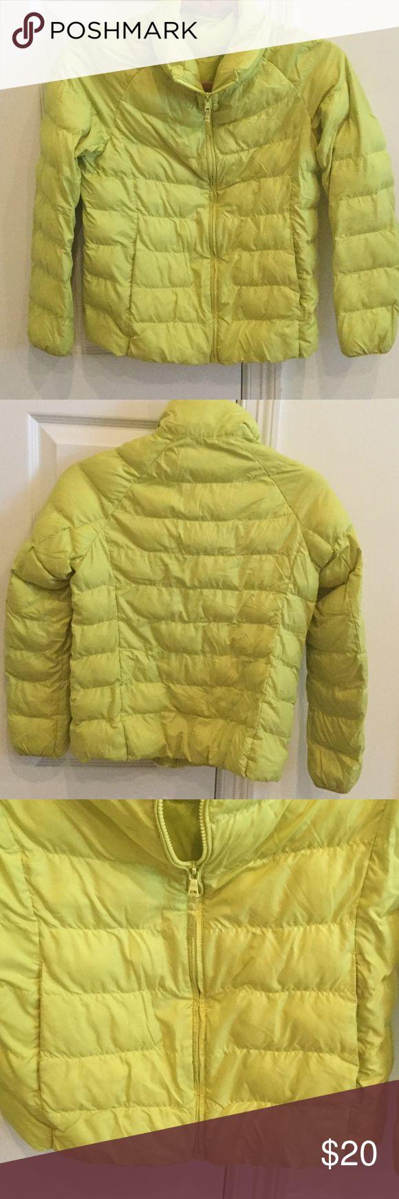 UNIQLO jacket UNIQLO light weight puffer jacket Uniqlo Jackets & Coats
