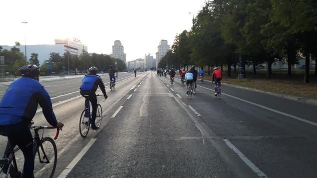 Natürlich ist es richtig, dass die Marathonstrecke frei ist, aber was ist eigentlich all die anderen Tage? http://www.tagesspiegel.de/berlin/polizei-justiz/falschparker-in-berlin-nur-beim-marathon-wird-abgeschleppt/14597820.html