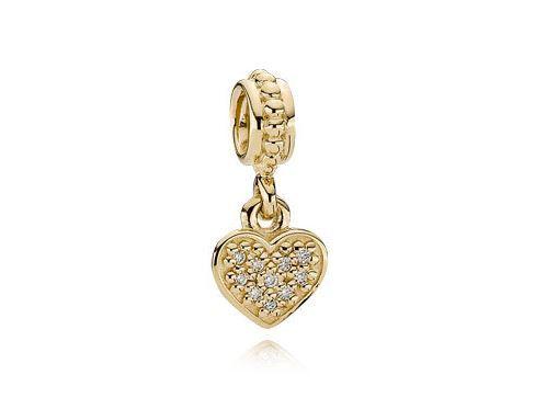 Pandora, ciondoli per bracciali: i prezzi degli charms più amati Charm con Pendente Cuore in Pavé di Diamanti PANDORA