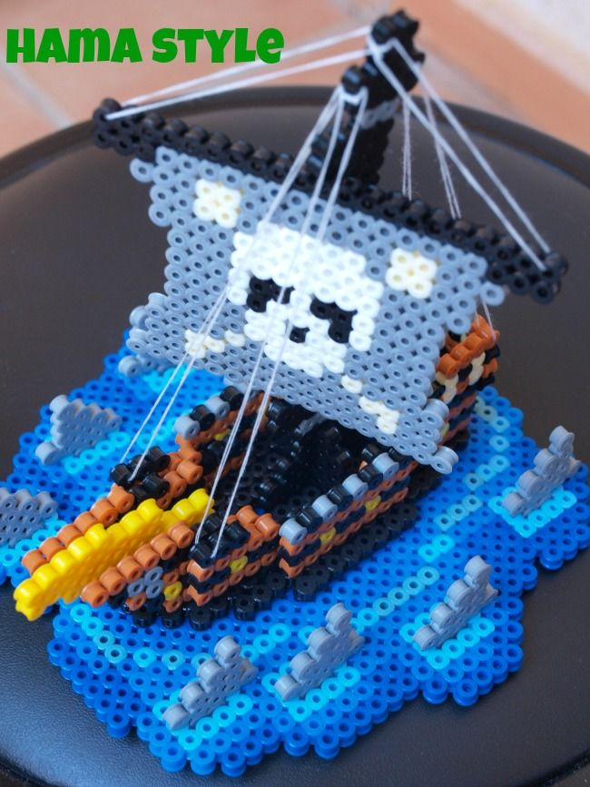 Barco de Piratas 3 D. Muitas imagens em: http://hamabeadstyle.blogspot.de/2013/09/barco-pirata-3d.html 3D Pirate ship hama perler beads by Hama Style