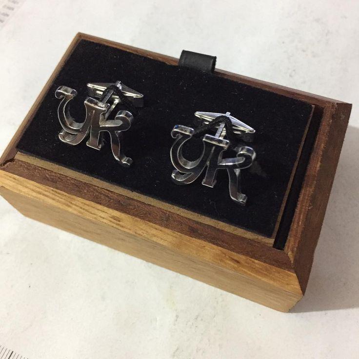 Kişiye özel tasarımlar ile hizmetinizdeyiz. www.tesbihhanem.com www.koldugmem.net WhatsApp & tel : 0 (532) 382 81 13  WhatsApp & tel : 0 (552) 205 38 30 #koldugmesi_atolyesi #isim  #altin #kolye #elişi #hattat  #kadıköy #yüzük #nusr_et  #imza #handmade #gümüş  #hediye #koldugmesi #takı  #saat #elyapımı #imza  #inci #ınstagram #koldugmecisi  #cufflinks #facebook #hasanusta #istanbul  #kol #düğme #isimlikoldüğmesi #gelinlik #koldüğmesi…