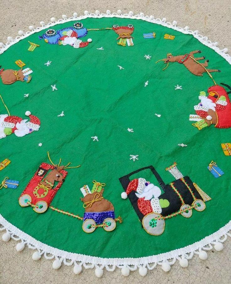 "36"" Vtg CHRISTMAS Round Green Felt Sequin SANTA CLAUS Pom"