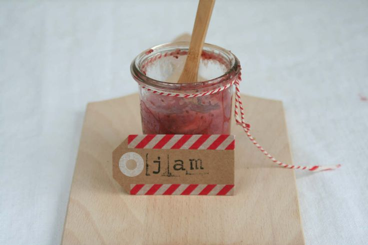 Aardbeien jam zonder suiker maken en zonder te koken. Binnen 5 minuten klaar!