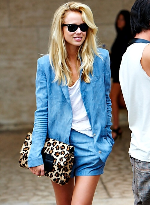 I don't know if I love the suit or the clutch more!!!!!!Leopards Clutches, Summer Suits, Fashion, Blue, Street Style, Leopards Prints, Animal Prints, Denim Shorts, Elin Kling