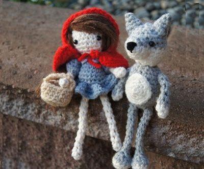 Amigurumi Caperucita Roja y el lobo ~ Patrón Gratis en Español http://susigurumi.blogspot.com.es/2013/08/patron-caperucita-roja-y-el-lobo.html
