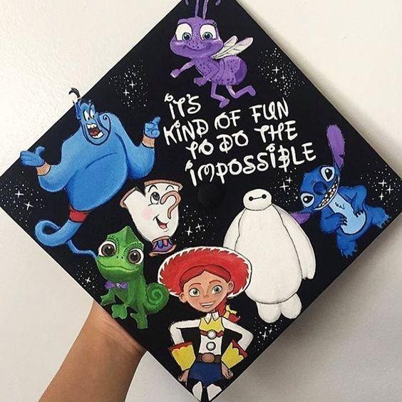 End cap decoration; Graduation cap designs college; Ideas for graduation caps; Graduation Ideas #graduation - #CollegeGraduationFood #CollegeG