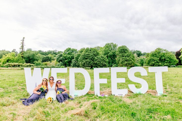 FESTIVAL BRIDES | Chris & Nicky's Glastonbury Inspired Festival Wedding