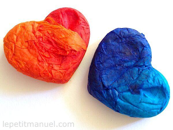 Beaux coeurs colorés une fois la colle séchée