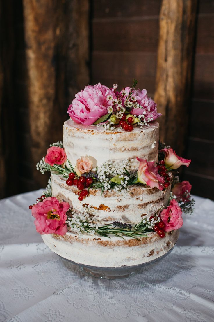 Naked Cake Dressed with Pink Flowers | Ulises by Rosa Clará wedding dress | Chinese Fusion Wedding | The Manor Barn in Harlton | Pink Peony Bouquet | John Hope Photography | http://www.rockmywedding.co.uk/lily-arthur/