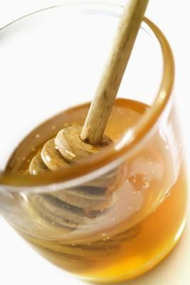 Drawing salve - home remedy: Home Remedies, Lips Care, Natural Skin, Dehydrator Honey, Homemade Beautiful Tips, Drawings Salve, Back Pain, Underr Superfood, Honey Milk Ball