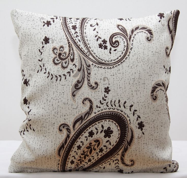 Krémový dekorační povlak na polštář s ornamenty