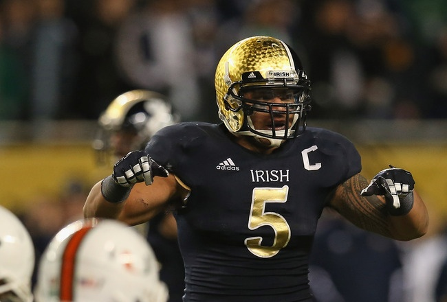 Early NFL mock drafts have ILB Manti Te'o being taken by the NY Giants